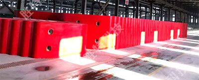 为南海明珠大桥生产的固定式复合材料桥梁防撞设施