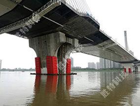 广东清远北江四桥订制安装固定式钢覆复合材料桥梁防撞设施