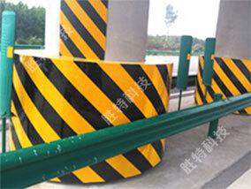 陕西西宝高速、西渭(西瞳)高速安装高速公路桥墩防撞设施